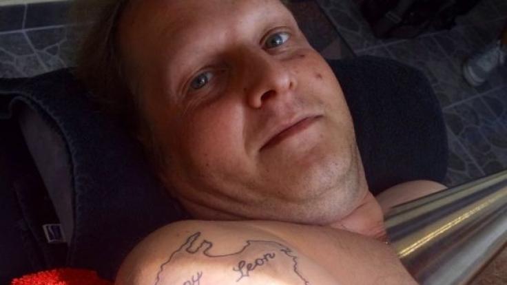 Eine von Jens Büchners neuen verrückten Idee: Ein Vox-Tattoo. (Foto)