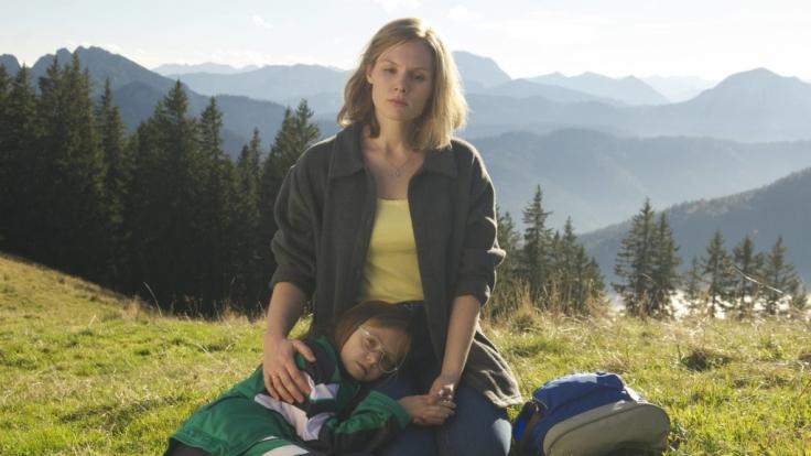 Hanni (Rosalie Thomass) und ihre Tochter Magdalena (Romy Butz). (Foto)