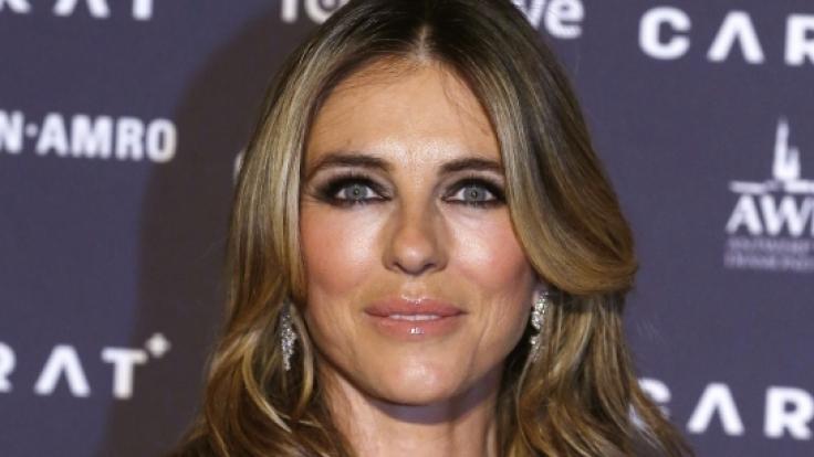 Schauspielerin Liz Hurley geizt auch mit 54 Jahren nicht mit ihren Reizen. (Foto)