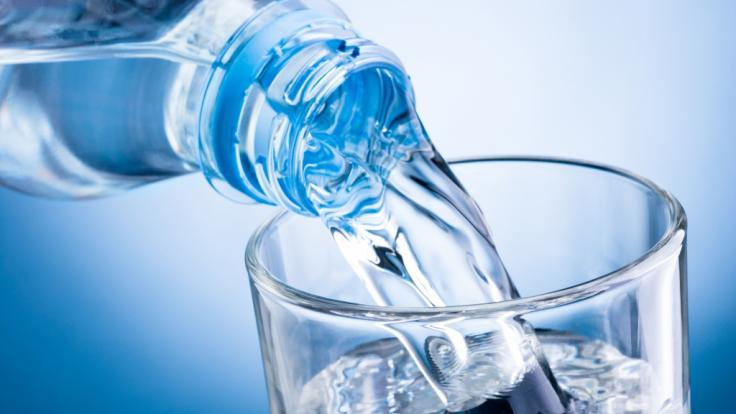 Wie gut ist natürliches Mineralwasser wirklich? (Foto)