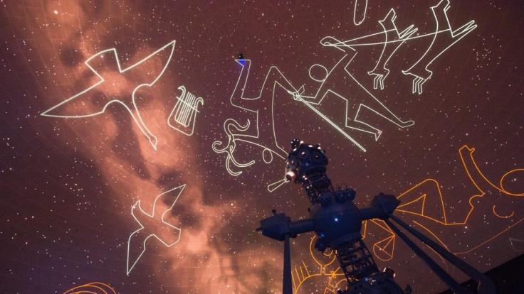 Sternzeichen-Projektion im Zeiss-Großplanetarium. (Foto)