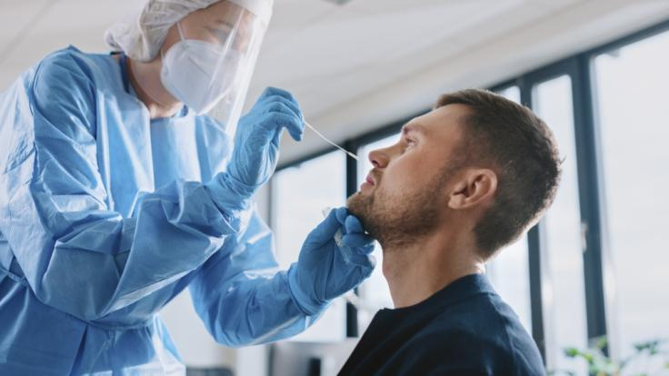 Ein Patient, bei dem die hoch ansteckende Corona-Variante P.1 aus Brasilien festgestellt wurde, ist von den britischen Behörden nicht mehr auffindbar. (Foto)