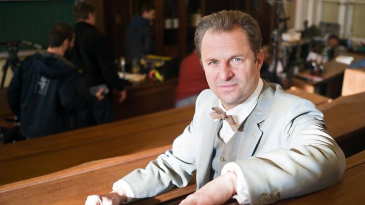 """Schauspieler Philipp Hochmair ist in der dritten Staffel von """"Charité"""" als österreichisch-deutscher Gerichtsmediziner Otto Prokop zu sehen. (Foto)"""