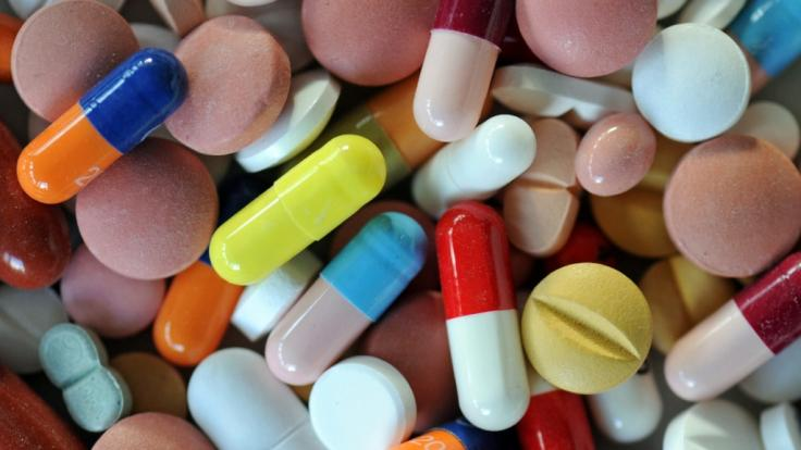 In Nordirland ging es einer Patientin nach Einnahme ihrer Medikamente deutlich schlechter. Die Ärzte tappten lange im Dunklen. (Symbolbild)