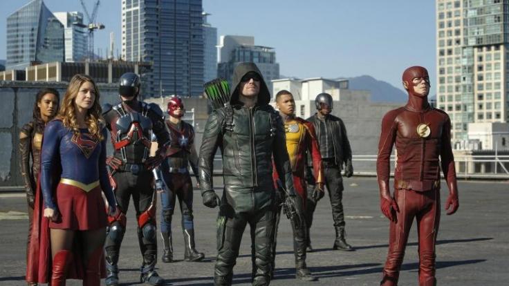 Die DC-Superhelden müssen gemeinsam gegen die Aliens Dominators kämpfen, die planen die Welt zu erobern. (Foto)