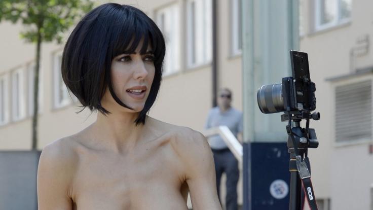 Milo Moiré fühlt sich nackt besonders wohl. (Foto)