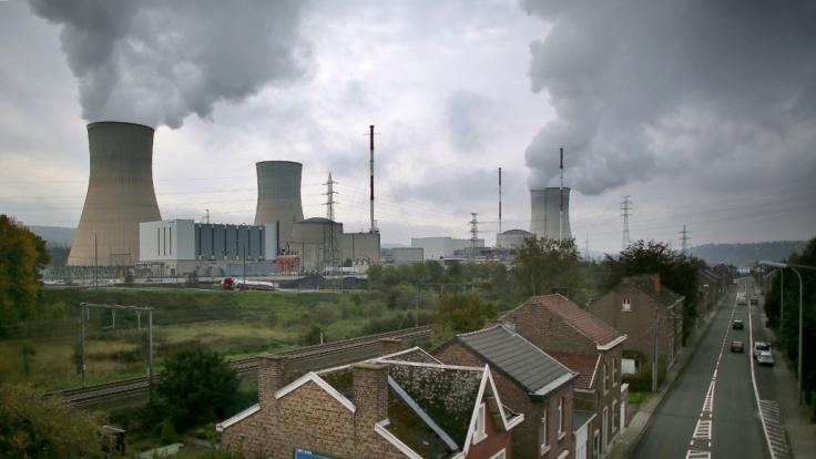 Das Atomkraftwerk Tihange am 21. Oktober 2015 bei Huy (Belgien). Wie steht es um die Gefahren eines Reaktorunglücks in Deutschland? (Foto)