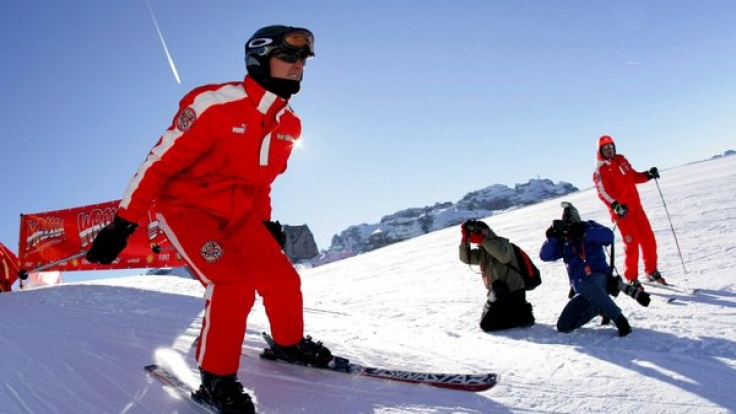 Ein französischer Journalist ist sich sicher: Michael Schumachers Helmkamera ist Schuld an den schweren Hirnverletzungen.