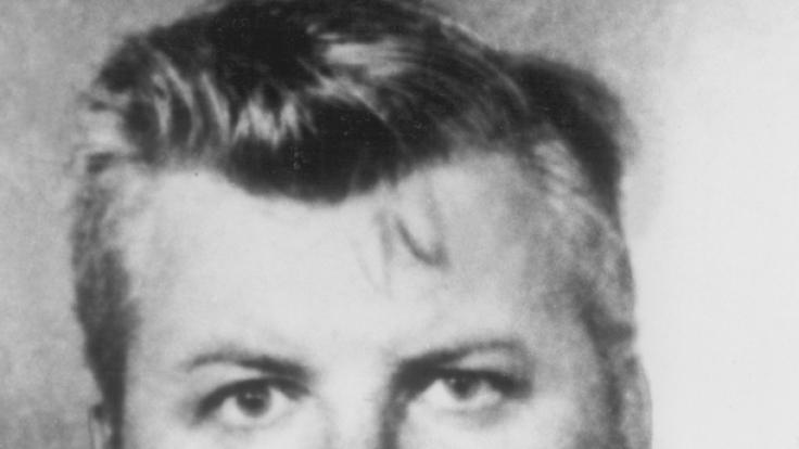 Polizeifoto von John Wayne Gacy, aufgenommen nach seiner Festnahme am 22. Dezember 1978. Gacy wurde im März 1980 zum Tode verurteilt und im Mai 1994 hingerichtet.