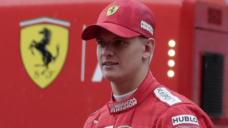 Mick Schumacher testet beim Großen Preis von Bahrain für Ferrari.