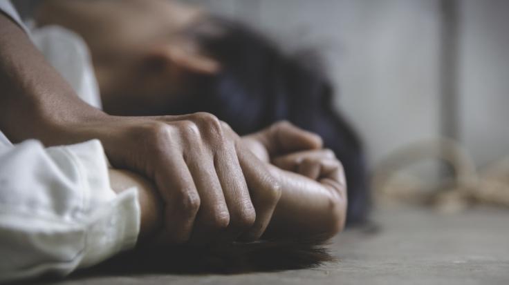 Ein 30-Jähriger hat eine Frau gekidnappt und vergewaltigt. (Foto)