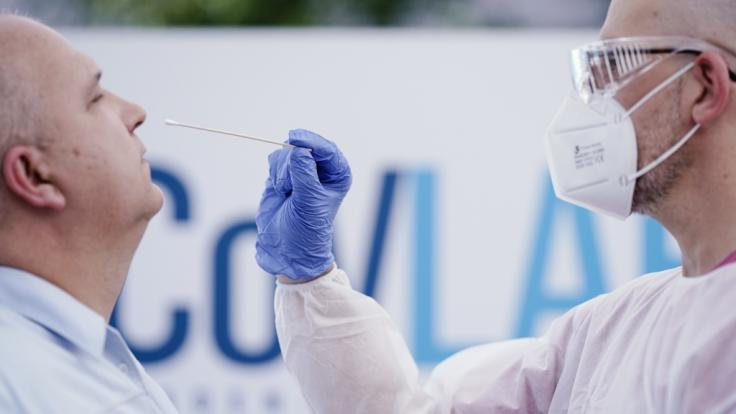 Die Zahl der Corona-Neuinfektionen in Deutschland steigt weiter an.