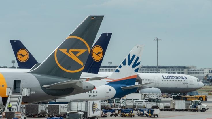Bei der Lufthansa sind die Begrüßungen jetzt gendergerecht. (Foto)