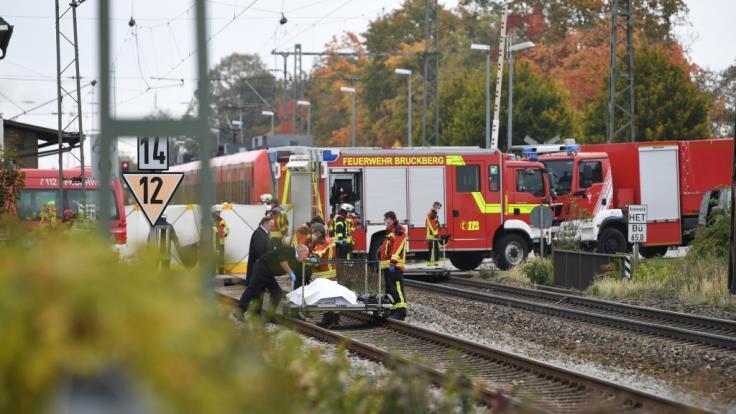 Niederbayern: Brüderpaar (13 und 17) von Zug erfasst und tödlich verletzt