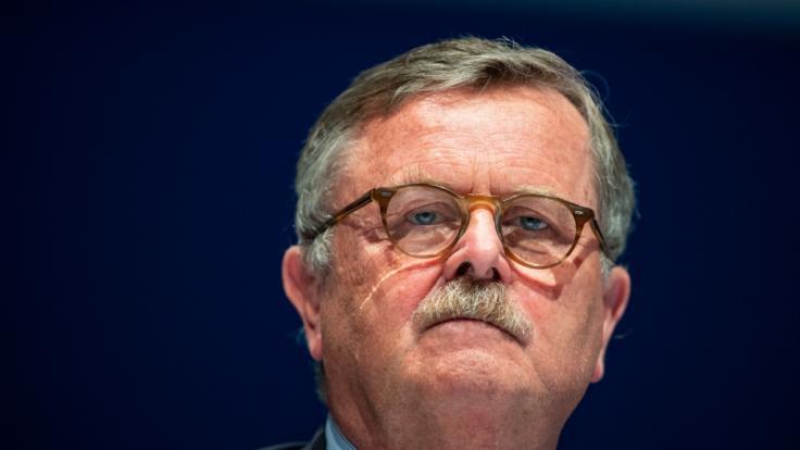 Weltärztepräsident Frank Ulrich Montgomery hält Lockerungen in Anbetracht der steigenden Corona-Zahlen für