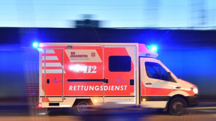 Die Nachrichten des Tages auf news.de: In Berlin ist ein Auto in eine Menschenmenge gerast. (Foto)