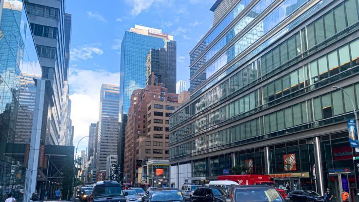 Von einem New Yorker Gebäude stürzte sich die junge Mutter mit ihrer Tochter in den Tod.