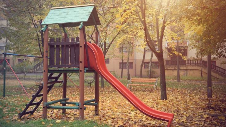 Ein 15-jähriges Mädchen ist auf einem Spielplatz in der englischen Grafschaft Kent einem sexuellen Übergriff zum Opfer gefallen (Symbolbild). (Foto)