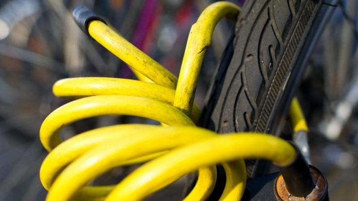 Wenn's klemmt: Fahrradschlösser richtig fetten (Foto)