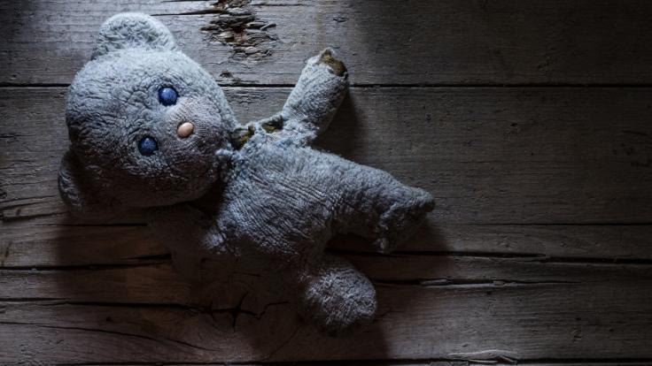 Ein Mann hat ein acht Wochen altes Baby missbraucht. (Foto)