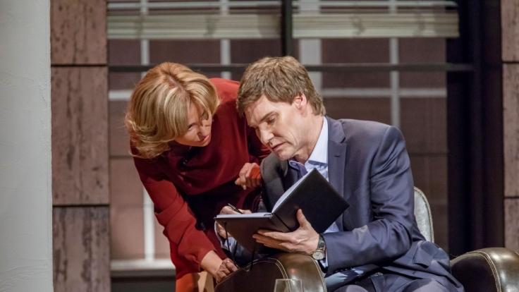 Dagmar Wöhrl und Carsten Maschmeyer beraten sich.