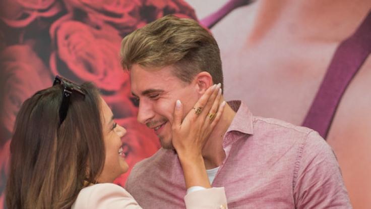 Jessica Paszka und David Friedrich bei ihrem ersten Auftritt als Paar in Hamburg.