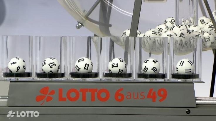 Die Lotto-Kugeln entscheiden heute, ob der Jackpot bei Lotto am Mittwoch geknackt wird