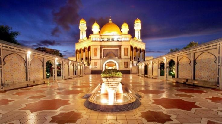 Ein Leben in Prunk und Pracht: Brunei kennt keine Staatsverschuldung. Das Land hat so viel Geld, dass seine Einwohner nicht einmal Steuern zahlen mssen. (Foto)