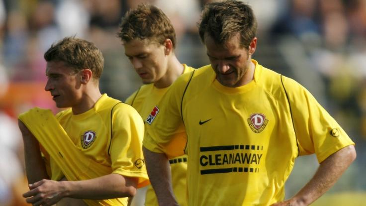 Ex-Fußballprofi Pavel Pergl (Mitte), hier mit seinen Teamkollegen Christian Fröhlich (links) und Karsten Oswald (rechts), ist im Alter von nur 40 Jahren gestorben. (Foto)
