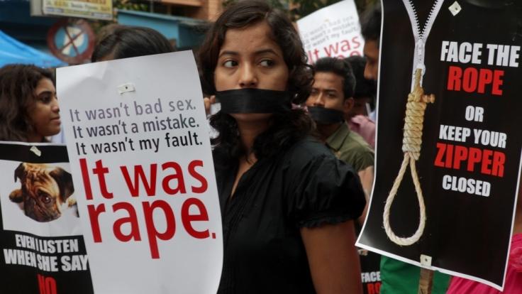 Immer wieder werden in Indien Frauen brutal vergewaltigt, ohne dass die Justiz darauf Konsequenzen zieht. (Foto)