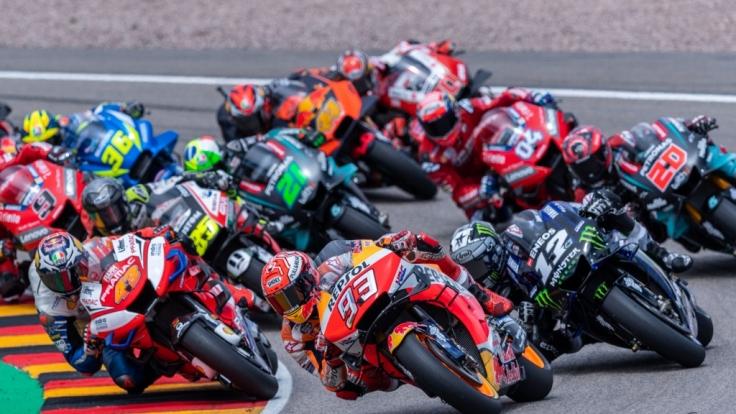 Die Motorrad-Profis sind an diesem Wochenende in Spanien zu Gast. (Foto)