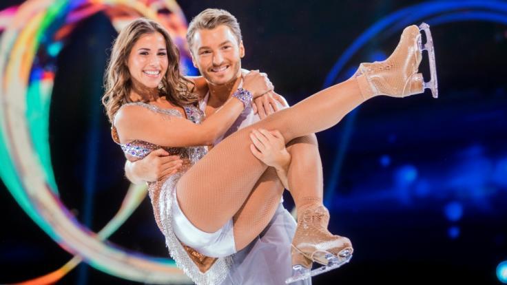 Sarah Lombardi mit ihrem Eistanzpartner Joti Polizoakis.