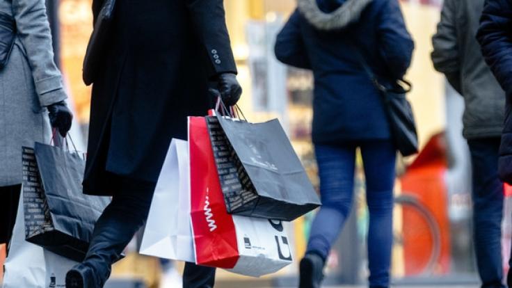 Heute können Sie in fast ganz Deutschland shoppen gehen.