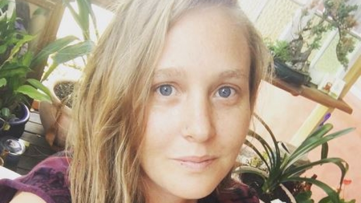Emily Fitzgerald - Die Designerin des Yogi-Schmuckes.