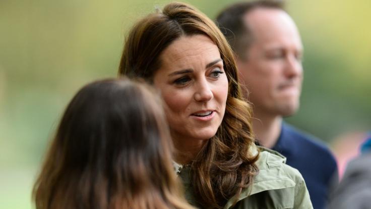Kate Middleton hat sich offenbar mit einer langjährigen Freundin verkracht. (Foto)