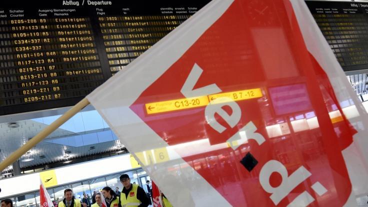 Verdi ruft zu Streiks an Berliner Flughäfen auf. (Foto)