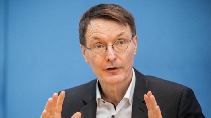 Karl Lauterbach befürchtet, dass Ungeimpfte nicht zur Normalität zurückkehren können. (Foto)