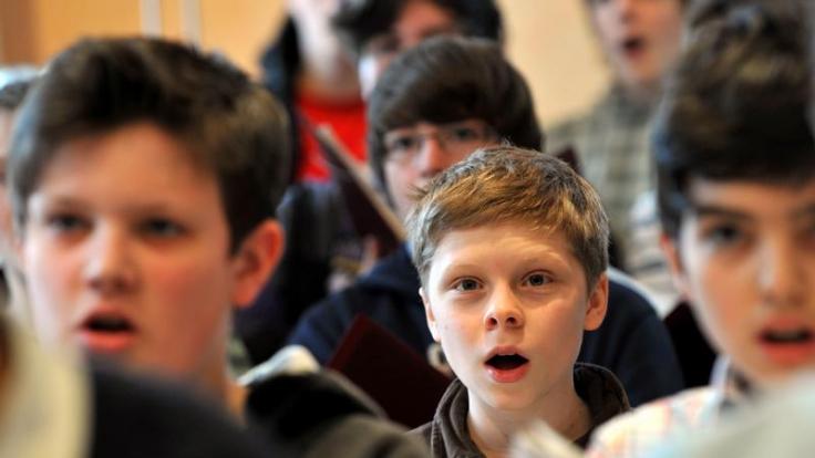 Kinder lernen beim Singen soziale Kompetenzen (Foto)