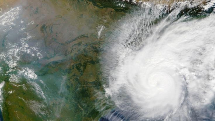 Mitte der Woche soll Zyklon Amphan auf Land treffen (Symbolbild). (Foto)