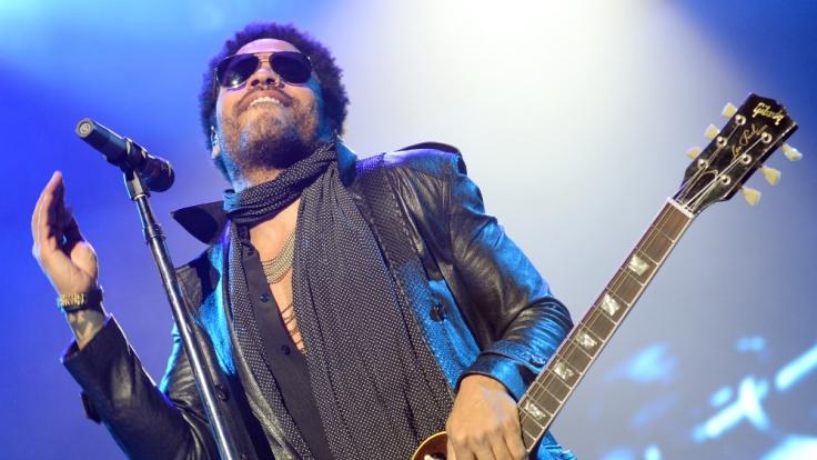 Auch mit 50 Jahre und nach einem viertel Jahrhundert Musikgeschickte rockt Lenny Kravitz die Bühne. (Foto)