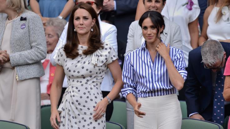 Meghan Markle (r.) und Kate Middleton wetteifern um die beliebtere Weihnachtskarte. (Foto)