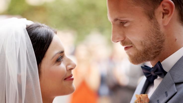 Emily (Anne Menden) und Paul (Niklas Osterloh)