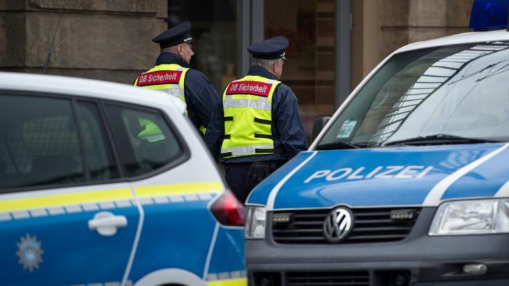 Am Dresdner Hauptbahnhof entdeckte die Polizei 17 Handgranaten in einem Fahrzeug (Symbolbild).