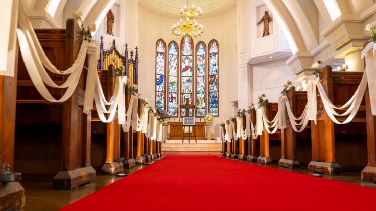 So sehen Sie am Sonntag die Gottesdienste in Köln und Co. live im TV und Live-Stream. (Symbolfoto)