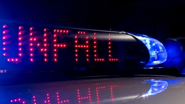 Bei einem schweren Verkehrsunfall beiWiepkenhagen inMecklenburg-Vorpommern sind drei Menschen ums Leben gekommen. (Foto)