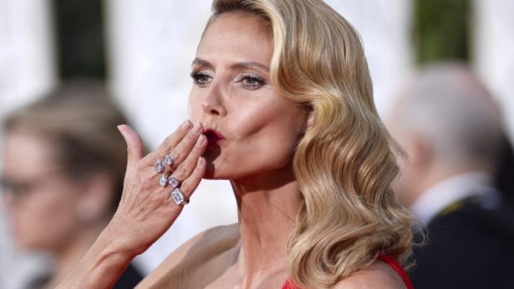 """Beim Nacktshooting in Folge 3 von GNTM fordert Heidi Klum ihre """"Meeedchen"""" ganz schön. (Foto)"""