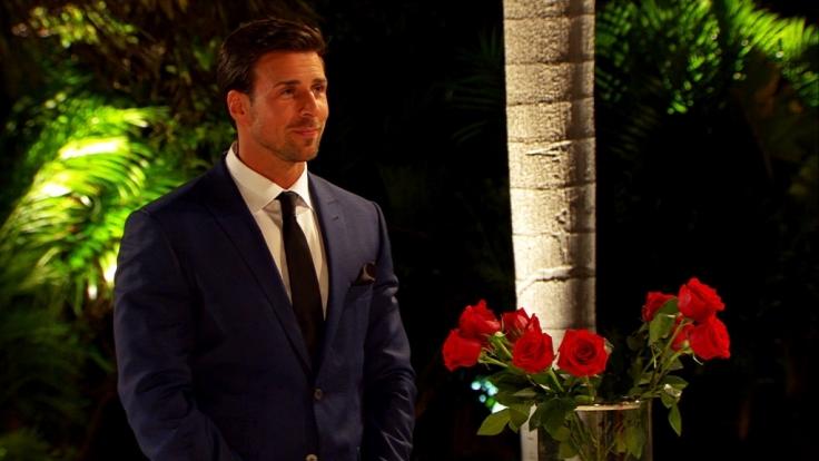 Leonard hat in der zweiten Nacht der Rosen wieder die Qual der Wahl.