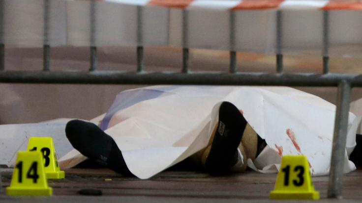 Nach einer Messer-Attacke in Marseille ist der Angreifer von der Polizei getötet worden. (Foto)