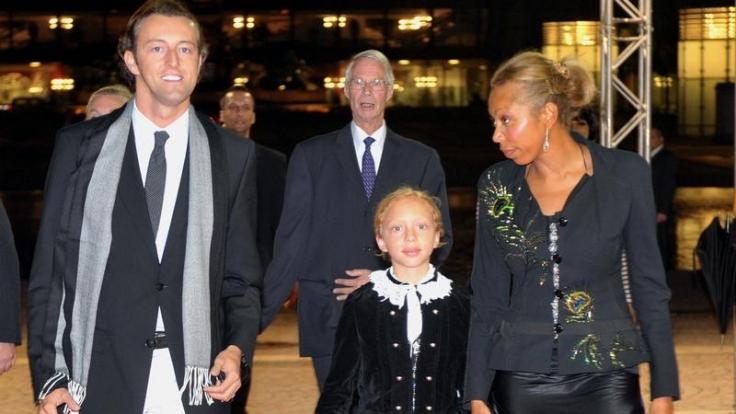Angela Ermakova besuchte mit Tochter Anna und Prinz Mario Max zu Schaumburg-Lippe den Leipziger Opernball. (Foto)