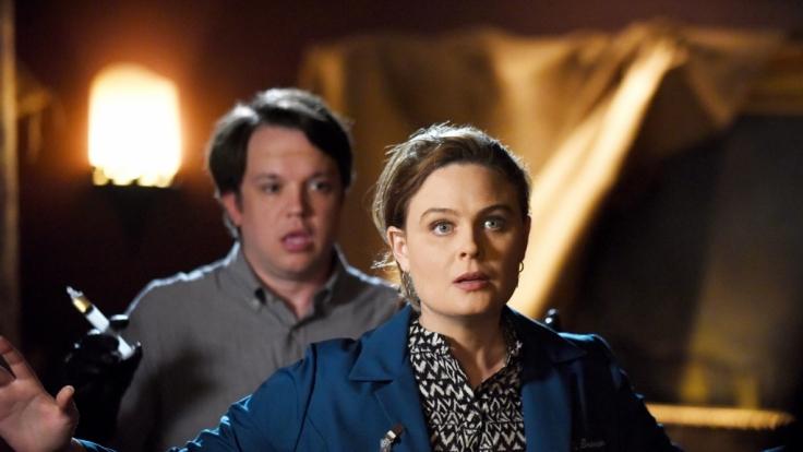 Brennan (Emily Deschanel) befindet sich in der Gewalt von ihrem ehemaligen Mitarbeiter Addy (Eric Millegan). Kann Booth seine Kollegin retten? (Foto)